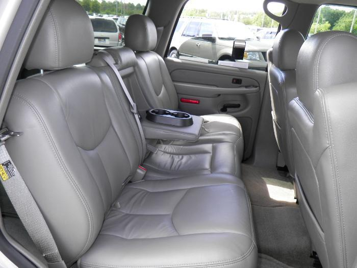 2003 2007 Chevy Tahoe Front And Middle Set Front 40 20 40 Split Seat With Side Airbags Rear 60
