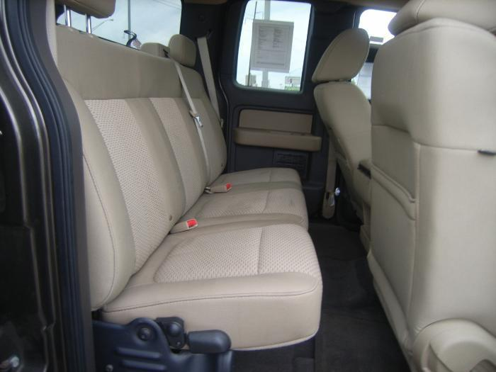 2009 Ford F150 Super Cab Rear Solid Back And 60 40 Split